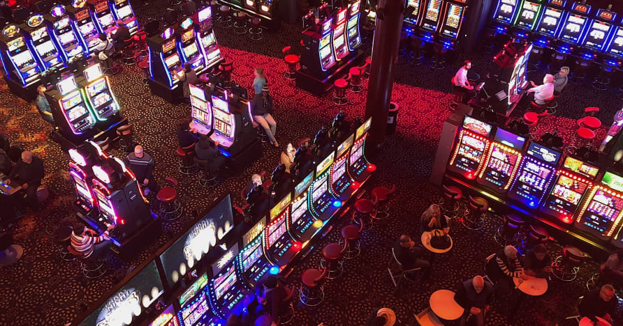 Social Casinos vs Online Casinos